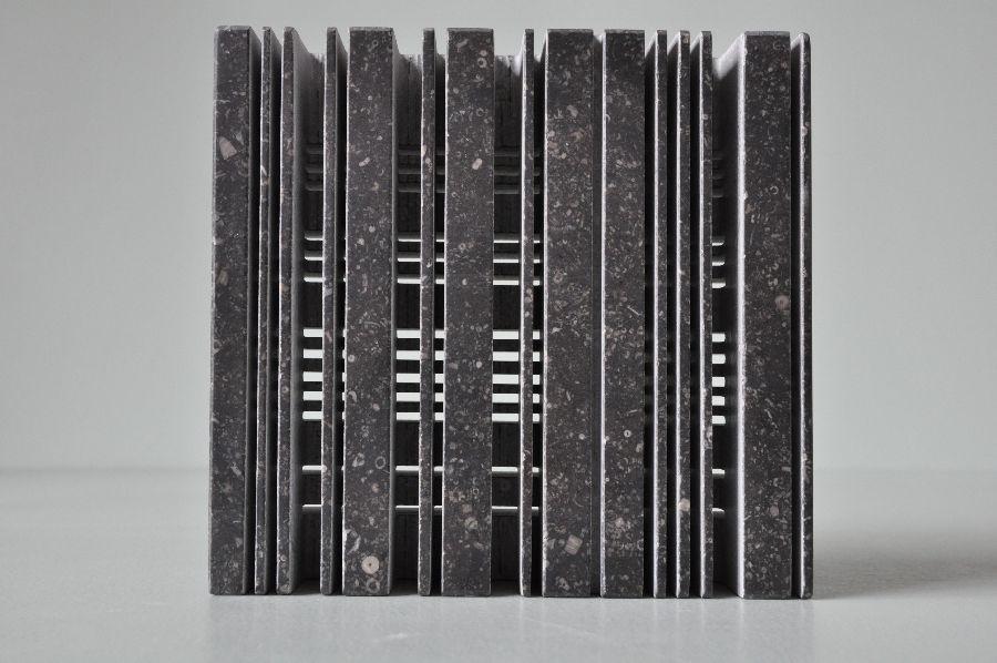 B079 Belgisch hardsteen  18 x 6 x 17 cm