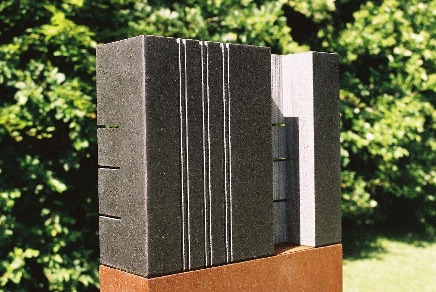 B042 zwart graniet, cortenstaal 31 x 10 x 144 cm