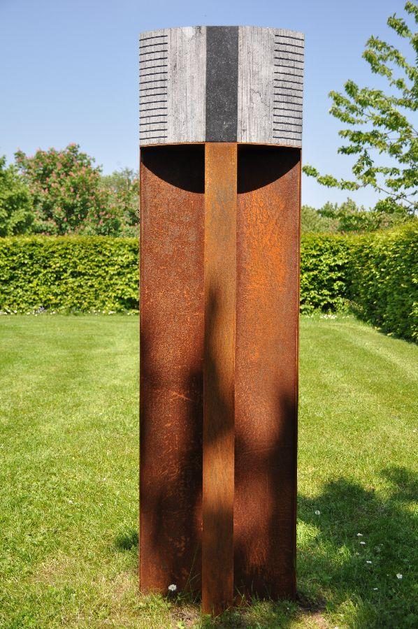 B092 Belgisch hardsteen, cortenstaal 42,5 x 8 x 143  cm