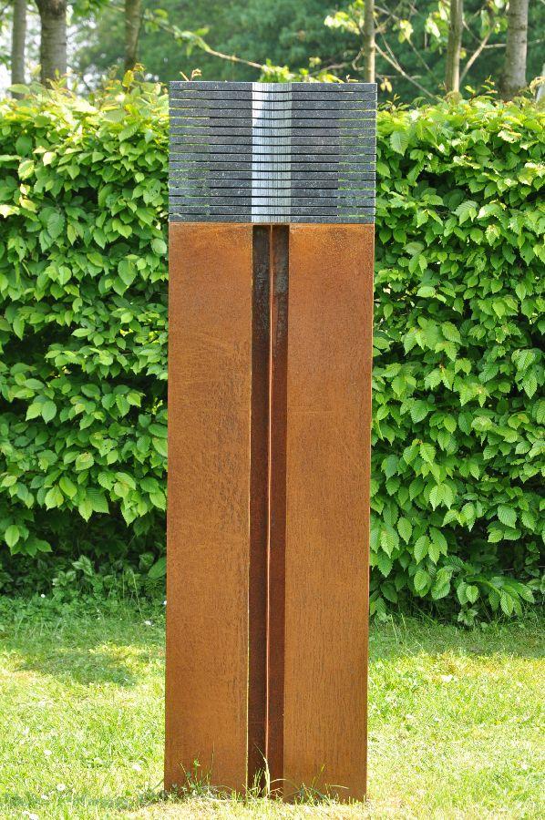 B092a Belgisch hardsteen, cortenstaal 42,5 x 8 x 143 cm