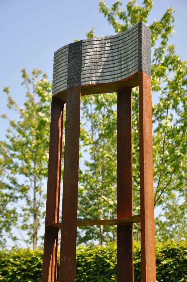 B093 Belgisch hardsteen, cortenstaal 40 x 10 x 144 cm