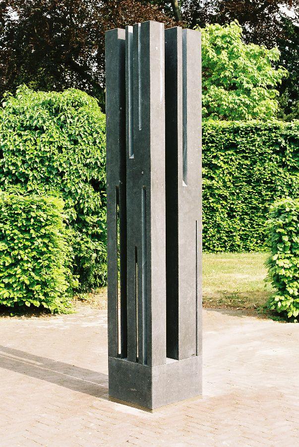 ZONNETOREN Belgisch hardsteen 40 x 44 x 225 cm