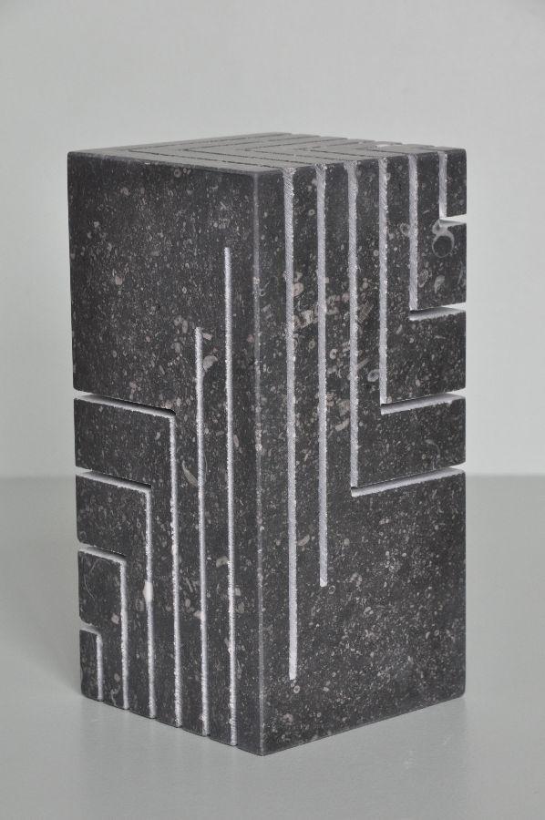 B086 Belgisch hardsteen 13 x 13 x 21 cm